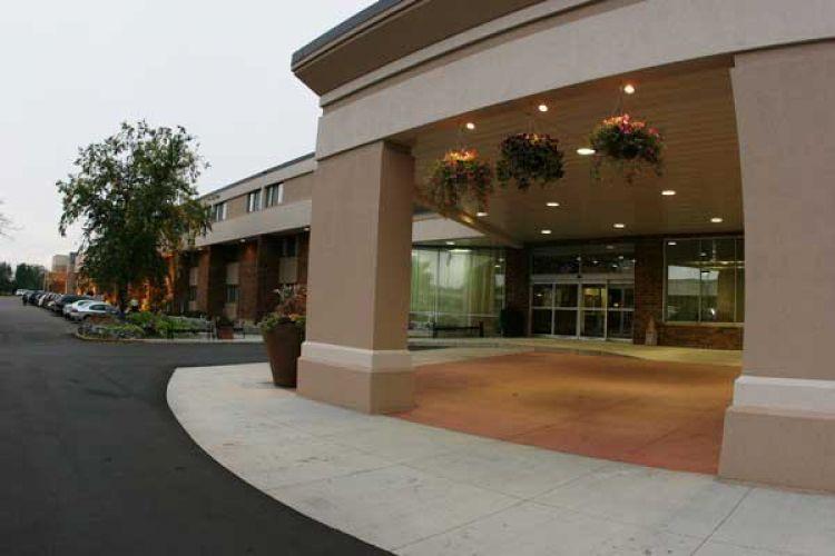 Holiday Inn & Suites - St. Cloud Joins Sand Hospitality Team